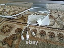 Apple A1083 Cinema HD Display 30 DVI LCD Monitor 2560 x 1600. NON TESTED