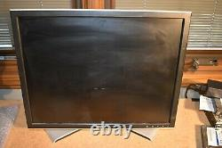 Dell 2007FPb 20 LCD Monitor 1600x1200 VGA DVI USB Hub Stand Cables