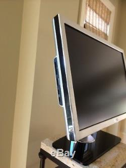 Dell 2707WFPc 27 Flat Panel 1920x1200 LCD Monitor with Stand