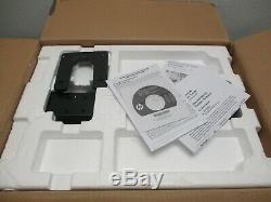 HP LP2065 20 LCD Monitor with Stand in original box