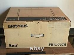 SUN MICROSYSTEMS 22 LCD MONITOR COLOR FLAT PANEL WithSTAND