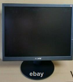 Sony Sdm S204 20 LCD Monitor With Stand And Power Cable Works Great